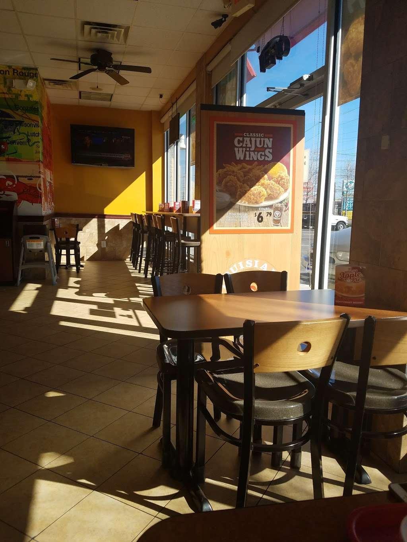 Popeyes Louisiana Kitchen - restaurant  | Photo 3 of 10 | Address: 300 Washington Ave, Carlstadt, NJ 07072, USA | Phone: (201) 933-0330