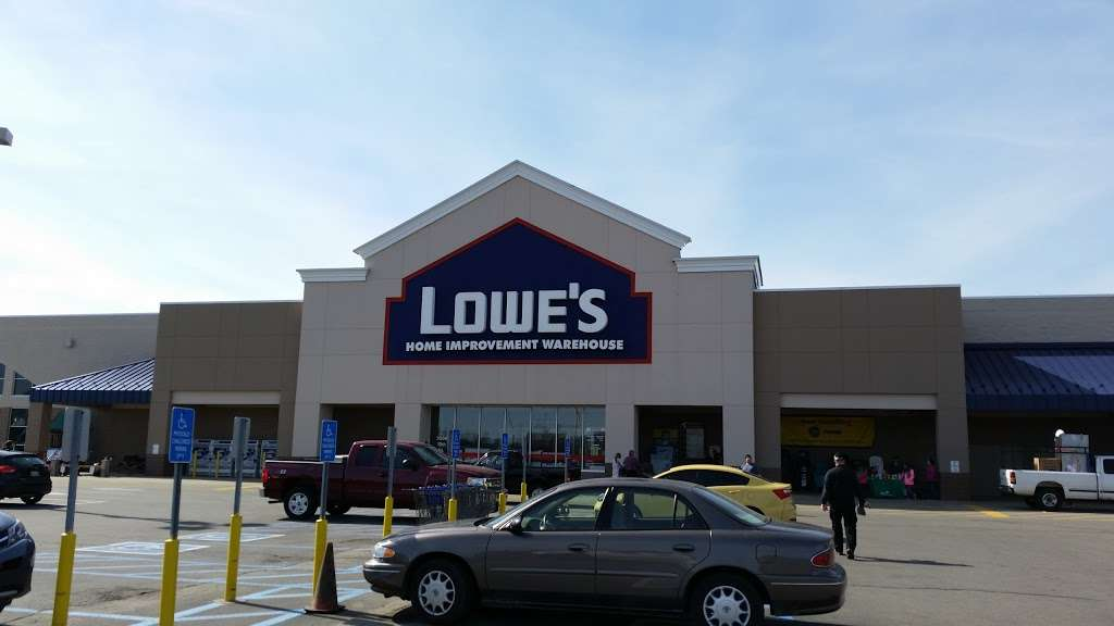 Lowes Home Improvement - hardware store  | Photo 4 of 10 | Address: 3500 10th St, Columbus, IN 47201, USA | Phone: (812) 376-0521