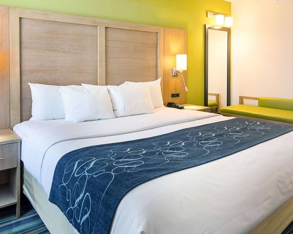 Comfort Suites Beachfront - lodging  | Photo 10 of 10 | Address: 2321 Atlantic Ave, Virginia Beach, VA 23451, USA | Phone: (757) 491-2400