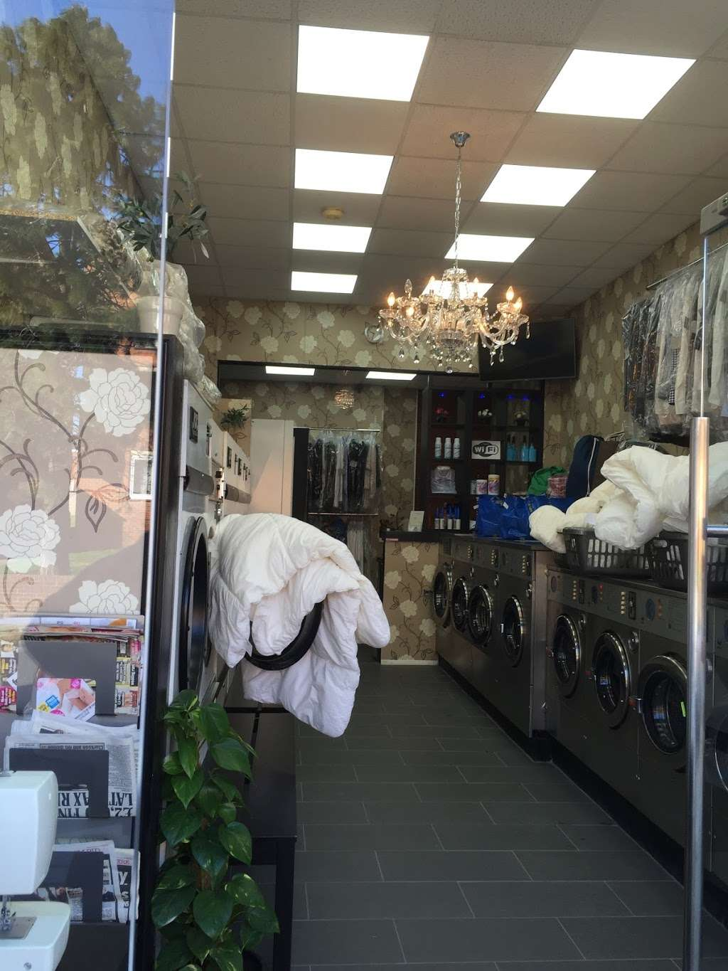 King Dry Cleaning & Laundrette - laundry  | Photo 7 of 10 | Address: 35 Church Rd, London NW4 4EB, UK | Phone: 020 8201 5050