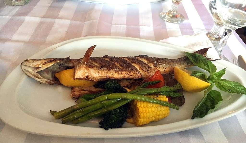 Sur La Baie - restaurant  | Photo 7 of 10 | Address: 3099 Emmons Ave, Brooklyn, NY 11235, USA | Phone: (718) 975-7787