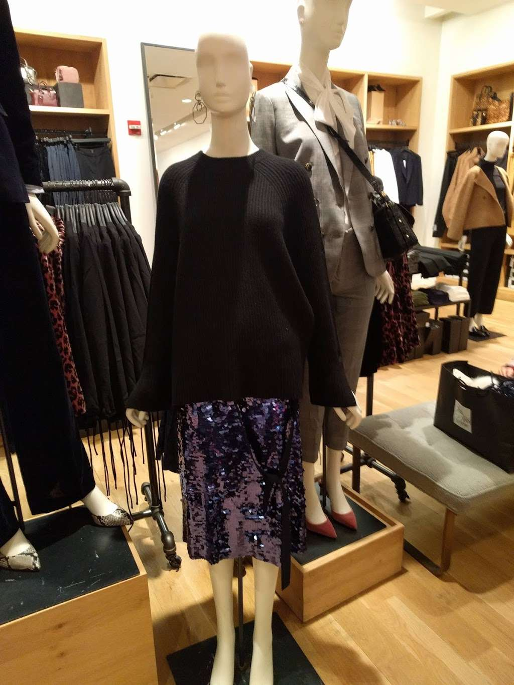 J.Crew - clothing store  | Photo 7 of 10 | Address: 10 Columbus Cir #202/302, New York, NY 10019, USA | Phone: (212) 823-9302