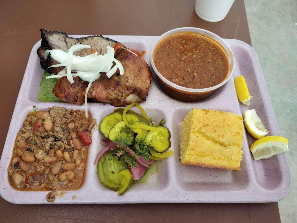 Slow Bone BBQ - restaurant  | Photo 4 of 10 | Address: 2234 Irving Blvd, Dallas, TX 75207, USA | Phone: (214) 377-7727