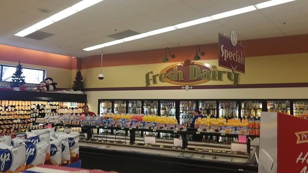Wipperfurths Piggly Wiggly - supermarket  | Photo 3 of 7 | Address: 205 N Holiday Dr, Waunakee, WI 53597, USA | Phone: (608) 849-6543