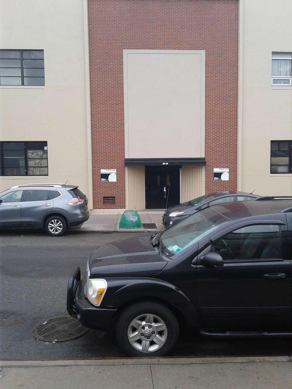 Housing Works Thrift Warehouse - store  | Photo 8 of 10 | Address: 48-49 35th St, Long Island City, NY 11101, USA | Phone: (718) 786-6160