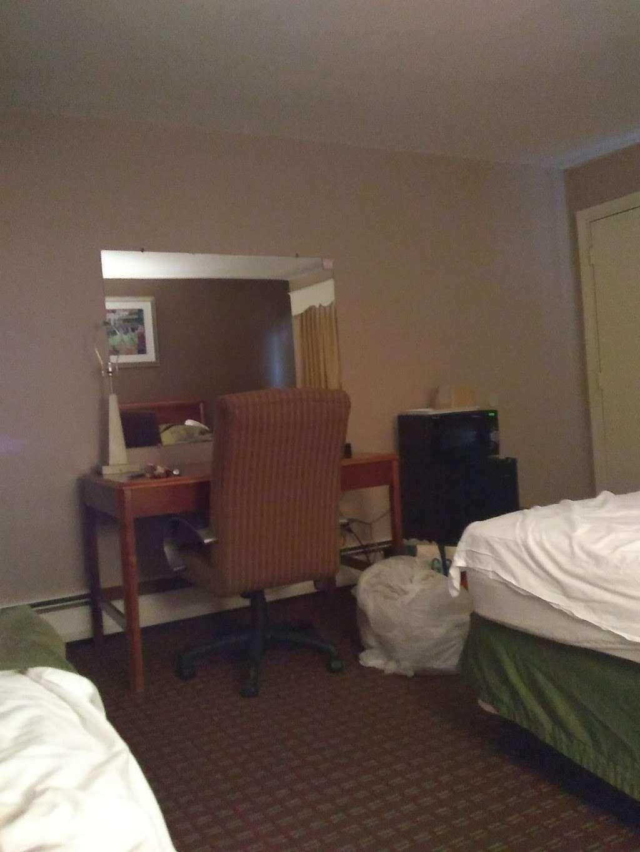 Plaza Hotel Peabody Massachusetts - lodging    Photo 2 of 10   Address: 125 Newbury St.Rt. 1 North Exit 44 Off of Rte 128, 95, Peabody, MA 01960, USA   Phone: (978) 535-2200