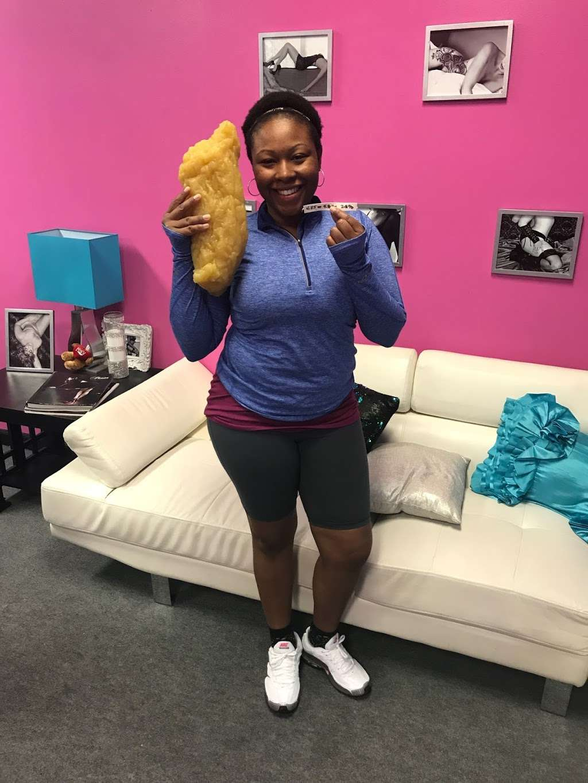 Foxy Fitness Studio & Pole - gym  | Photo 10 of 10 | Address: 8010 W Colonial Dr Ste #130, Orlando, FL 32818, USA | Phone: (407) 253-2369