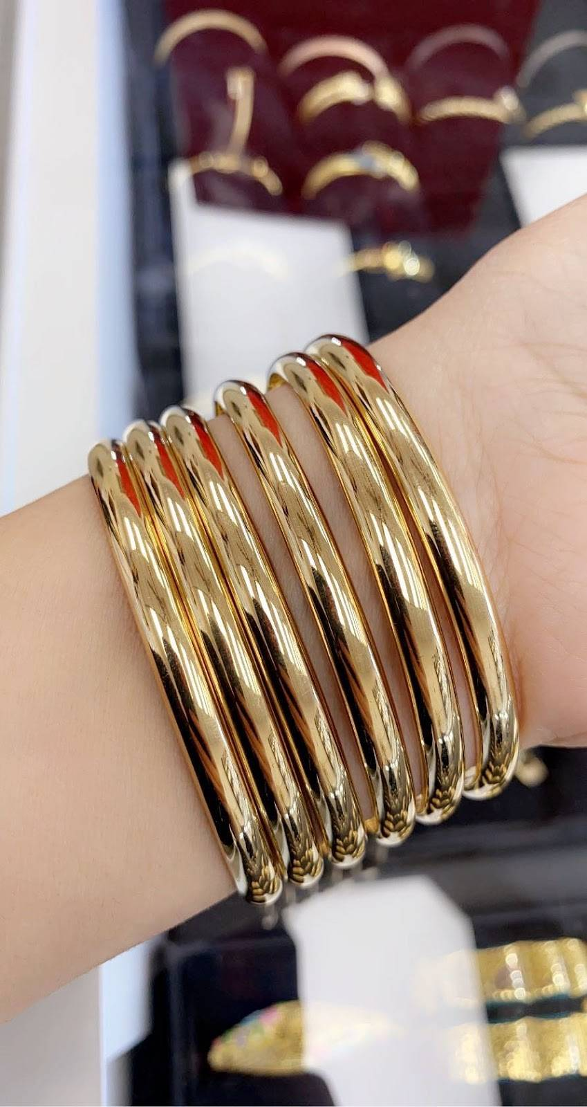 Queen jewelry - jewelry store  | Photo 5 of 10 | Address: 4064 E 14 Mile Rd, Warren, MI 48092, USA | Phone: (586) 303-2991