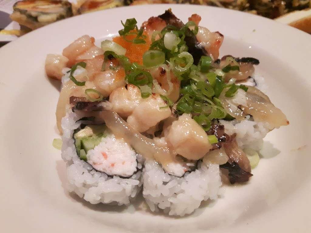 Crazy Rockn Sushi - restaurant  | Photo 10 of 10 | Address: 1546 W Redondo Beach Blvd, Gardena, CA 90247, USA | Phone: (310) 323-7655