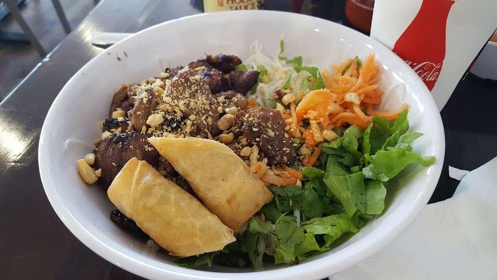 VnWich Cafe - restaurant  | Photo 4 of 10 | Address: 520 Northpark Dr suite 113, Porter, TX 77365, USA | Phone: (281) 570-6891