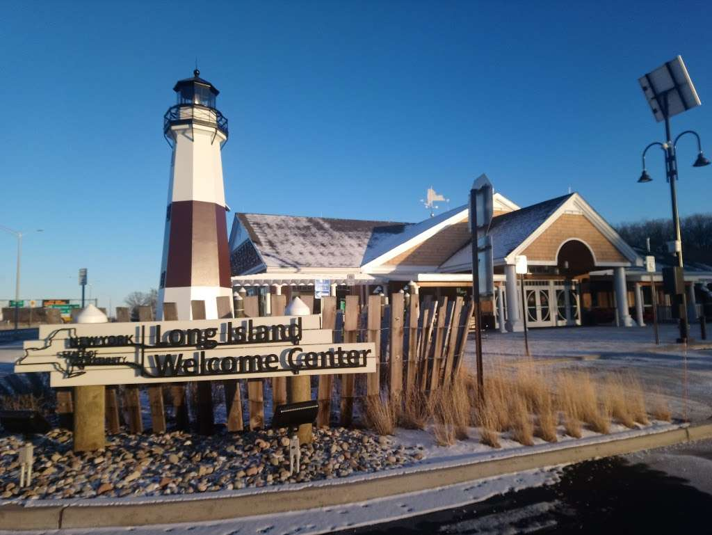 Taste NY Long Island Welcome Center - travel agency  | Photo 5 of 10 | Address: 5100 Long Island Expy, Dix Hills, NY 11746, USA | Phone: (631) 254-0414
