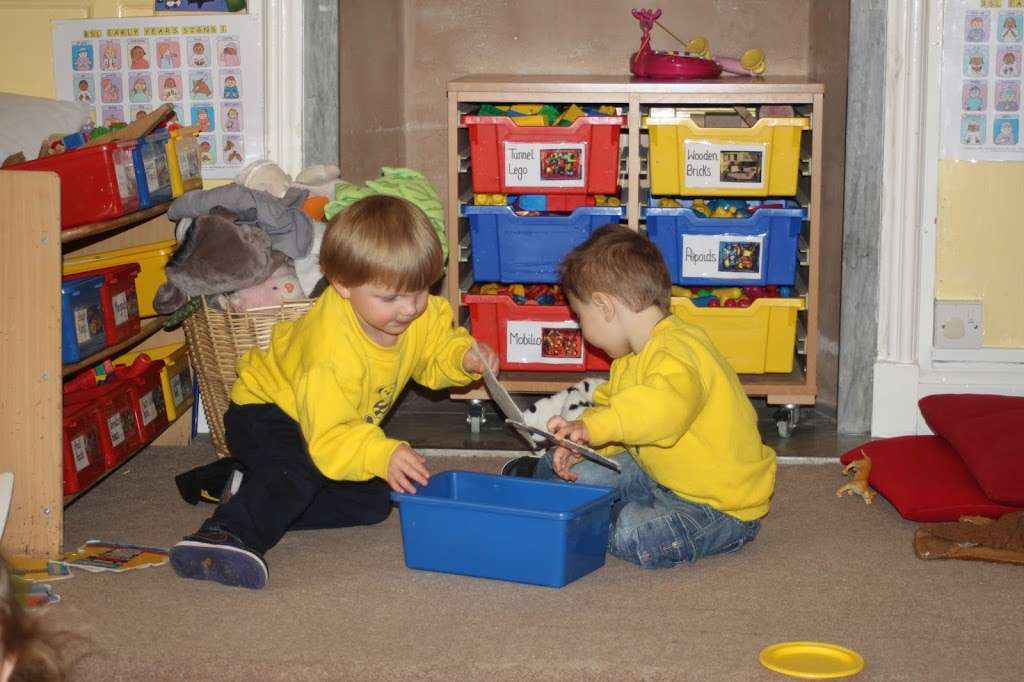 Cedar Park Day Nursery Enfield - school  | Photo 4 of 10 | Address: 50 Hadley Rd, Enfield EN2 8JY, UK | Phone: 020 8367 3800