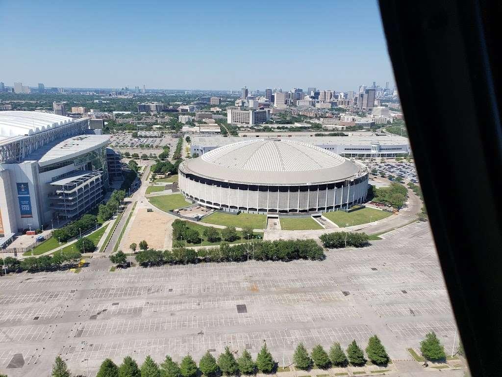 Blue Lot - parking  | Photo 7 of 10 | Address: 8510 Kirby Dr, Houston, TX 77054, USA