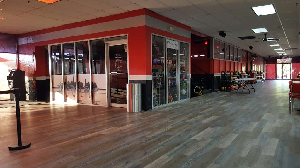 Brunswick Zone River Grove Lanes - bowling alley  | Photo 3 of 10 | Address: 3111 River Rd, River Grove, IL 60171, USA | Phone: (708) 456-4100