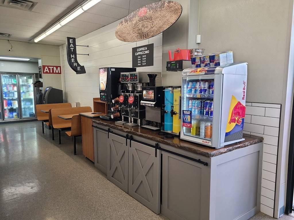 The Cove - restaurant  | Photo 2 of 8 | Address: 10202 N Cincinnati Ave, Sperry, OK 74073, USA | Phone: (918) 288-5001