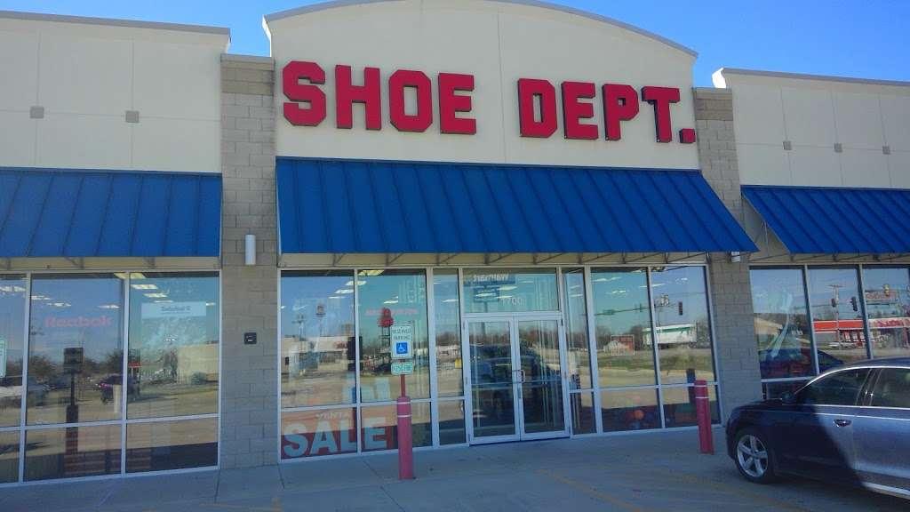 Shoe Dept. - shoe store  | Photo 1 of 4 | Address: 1700 W Reynolds St, Pontiac, IL 61764, USA | Phone: (815) 842-4056