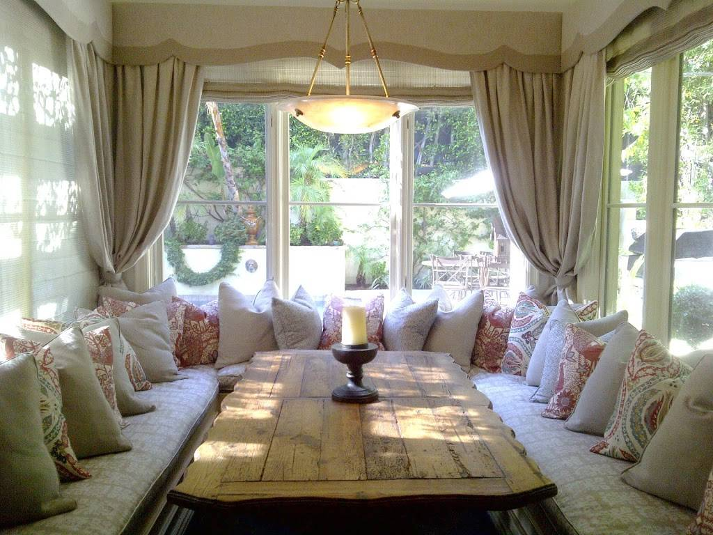 Angelas Upholstery & Slipcovers Corp. - furniture store  | Photo 3 of 10 | Address: 1006 W 47th St, Los Angeles, CA 90037, USA | Phone: (323) 333-3715