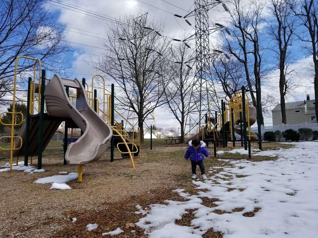 Fisher Field - park  | Photo 4 of 10 | Address: 97 6th St, North Arlington, NJ 07031, USA