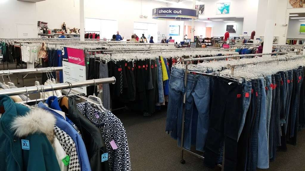 Goodwill Retail Store & Donation Center - clothing store    Photo 5 of 10   Address: 9960 Main Street, Fairfax, VA 22031, USA   Phone: (703) 349-1806
