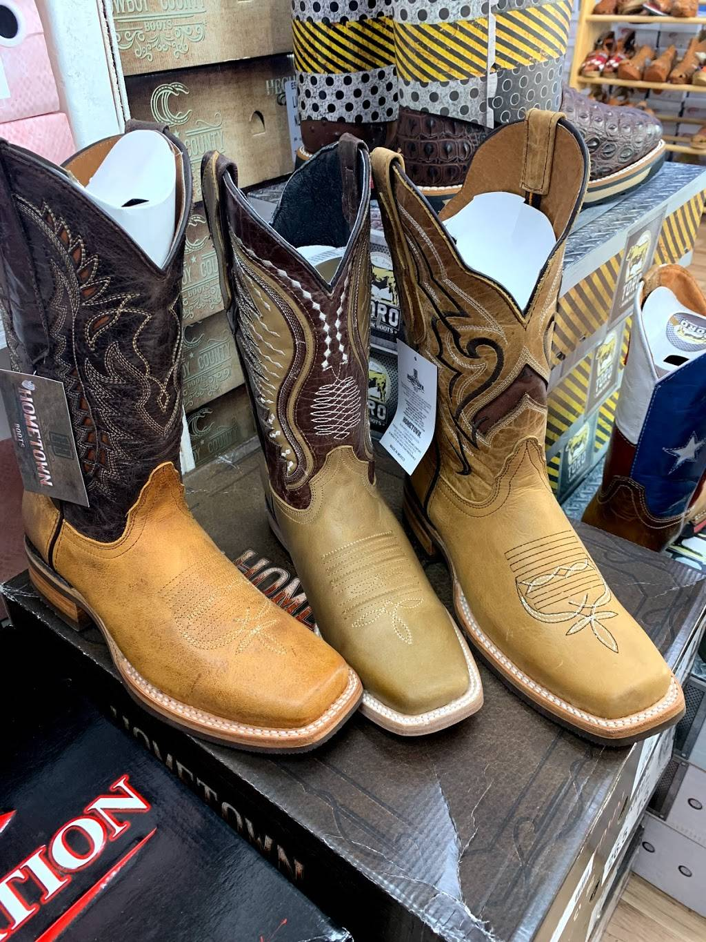 Boots & Shoes 4 You - shoe store    Photo 5 of 9   Address: 4207 W Illinois Ave #100, Dallas, TX 75211, USA   Phone: (469) 941-4043