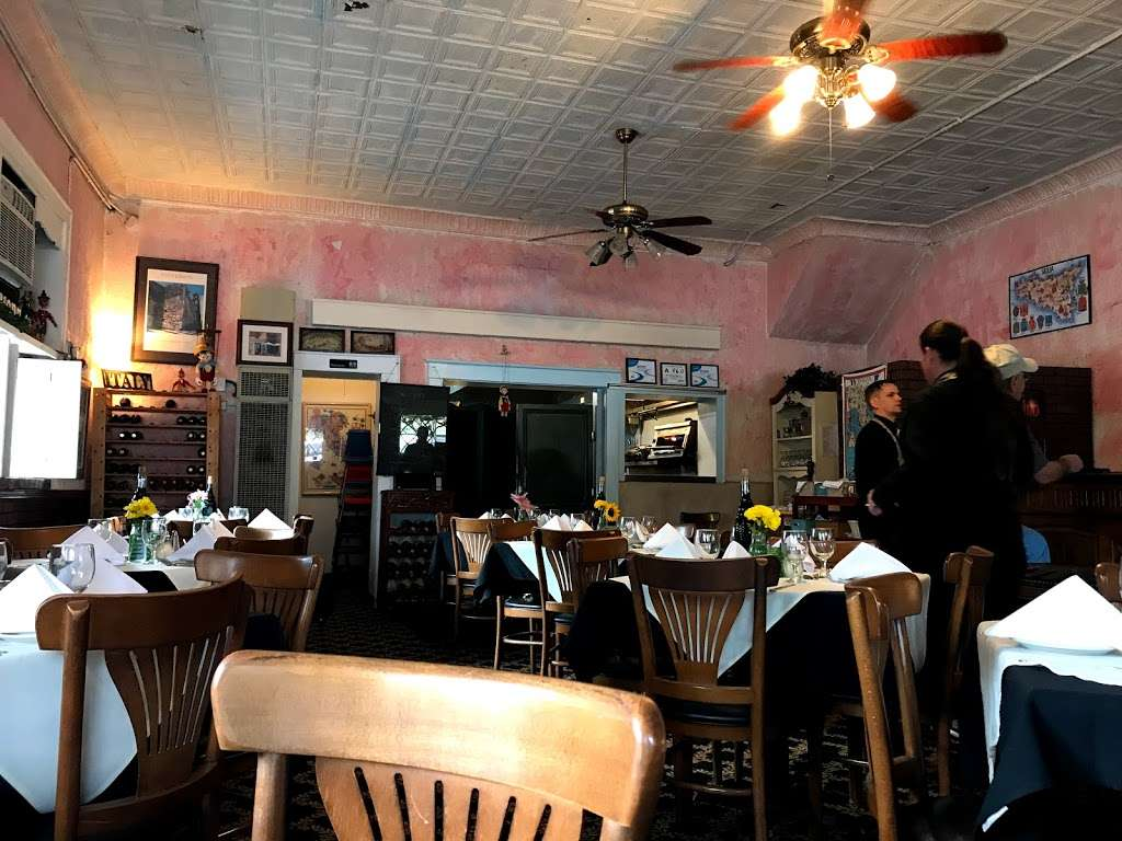 Pinocchios Italian Restaurant and Wine Store - restaurant    Photo 5 of 10   Address: 518 Salisbury Ave, Spencer, NC 28159, USA   Phone: (704) 636-8891