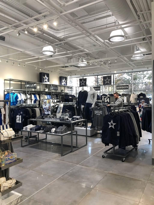 Fans United - Frisco - clothing store  | Photo 2 of 9 | Address: 5 Cowboys Way, Frisco, TX 75034, USA | Phone: (972) 497-4050
