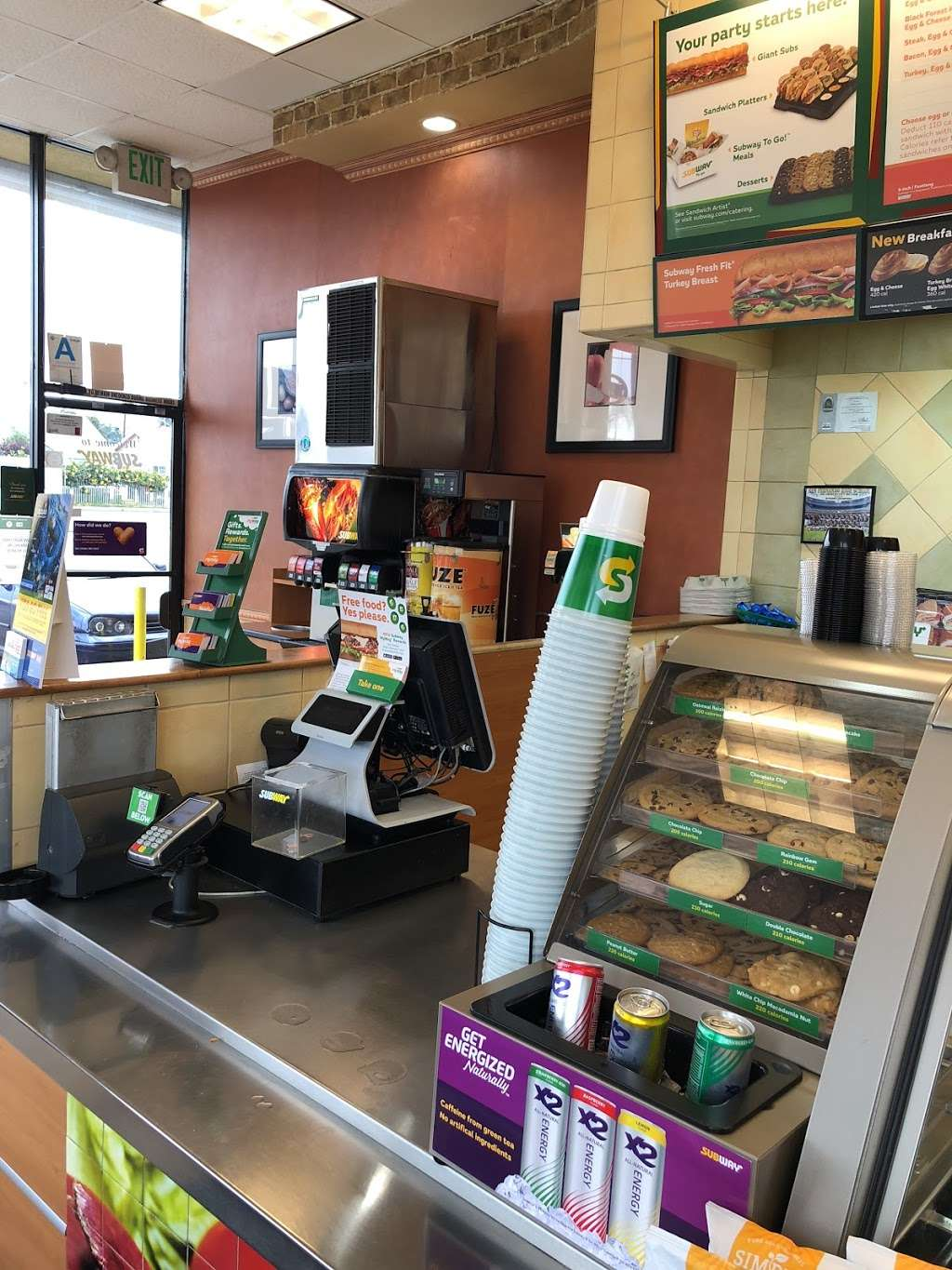 Subway - meal takeaway  | Photo 1 of 10 | Address: 11220 Laurel Canyon Blvd Unit 101, Mission Hills, CA 91340, USA | Phone: (818) 838-3532