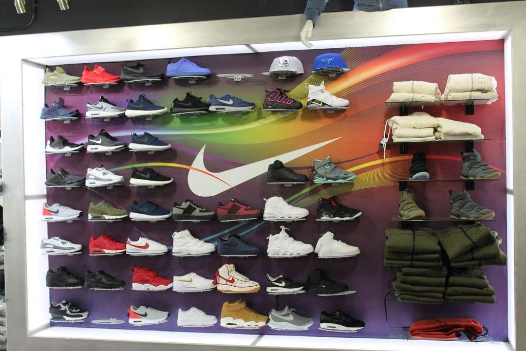 City Jeans Premium - shoe store    Photo 8 of 10   Address: 2996 Third Ave, Bronx, NY 10455, USA   Phone: (718) 401-5919
