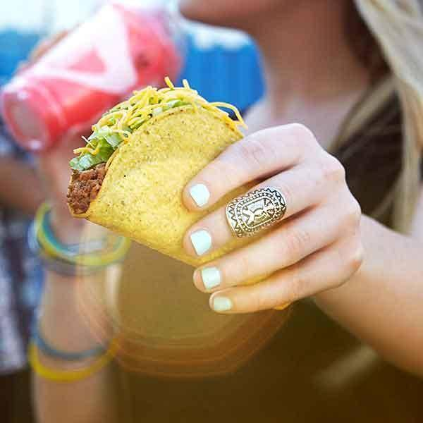 Taco Bell - meal takeaway  | Photo 8 of 9 | Address: 3125 College Dr, Baton Rouge, LA 70808, USA | Phone: (225) 216-1861