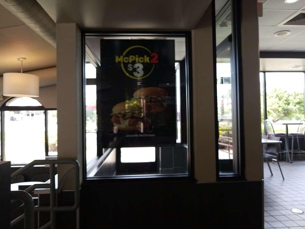 McDonalds - cafe    Photo 4 of 10   Address: 4707 Taylor Ave, Racine, WI 53406, USA   Phone: (262) 554-7758