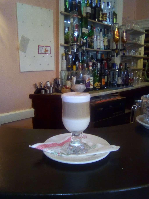 Cafe Estrela do Sul - restaurant  | Photo 3 of 10 | Address: The Square, High St, Hadlow, Tonbridge TN11 0DA, UK