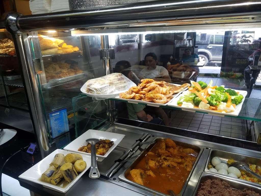 Dannas Deli And Pizzeria - restaurant  | Photo 1 of 10 | Address: 169-08 Crocheron Ave, Flushing, NY 11358, USA | Phone: (718) 878-0042