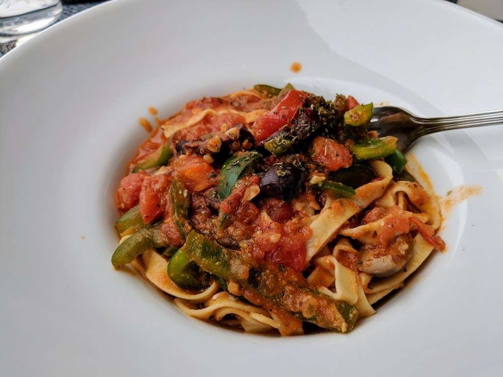 Akrotiri - restaurant  | Photo 4 of 10 | Address: 29-20 30th Ave, Astoria, NY 11102, USA | Phone: (718) 726-2447