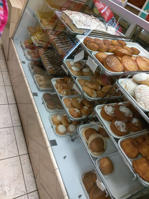 El Carbonero Bakery - bakery  | Photo 6 of 10 | Address: 9501 Van Nuys Blvd, Panorama City, CA 91402, USA | Phone: (818) 830-1386