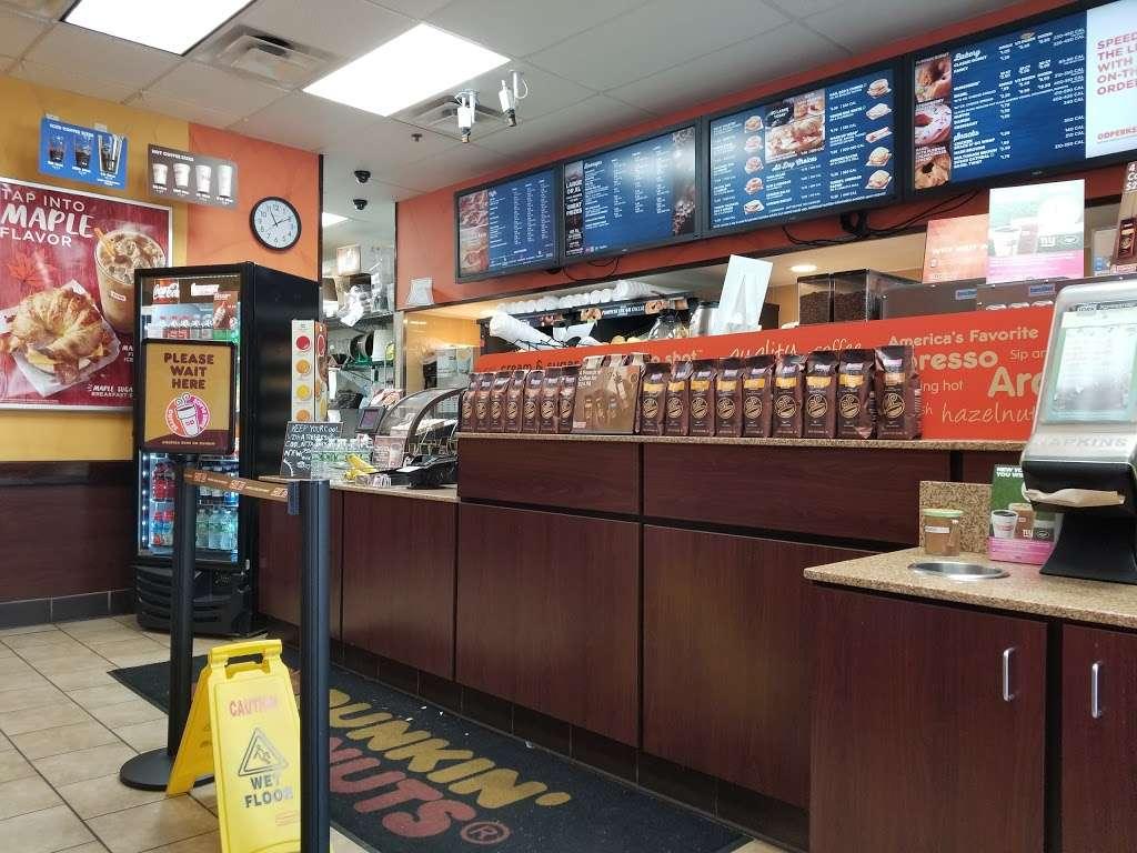 Dunkin Donuts - cafe    Photo 2 of 10   Address: 263 Changebridge Rd #6, Pine Brook, NJ 07058, USA   Phone: (973) 244-0700