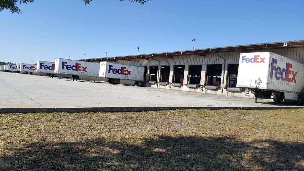 FedEx Freight - moving company    Photo 2 of 5   Address: 1850 E Landstreet Rd, Orlando, FL 32824, USA   Phone: (800) 218-6292