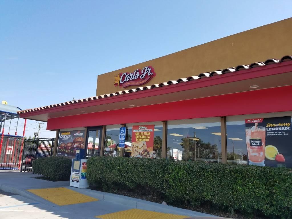Carls Jr. - restaurant  | Photo 5 of 10 | Address: 5275 W Shaw Ave, Fresno, CA 93722, USA | Phone: (559) 275-6526