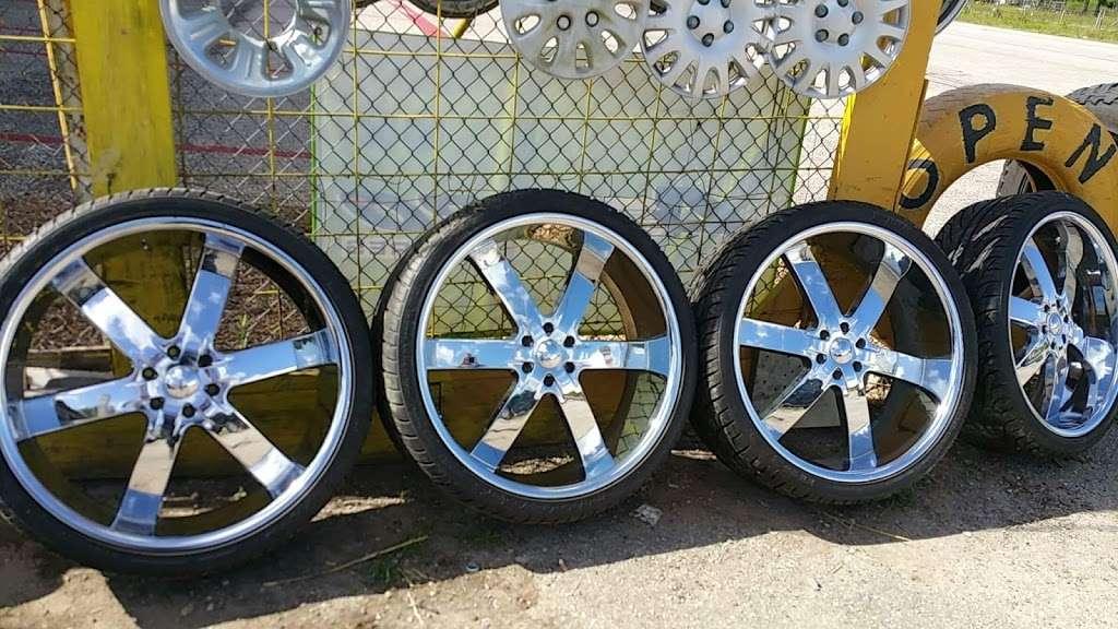 Rodriguez Tire shop - car repair  | Photo 1 of 8 | Address: 16431 FM 521 Rd, Rosharon, TX 77583, USA | Phone: (832) 894-2732