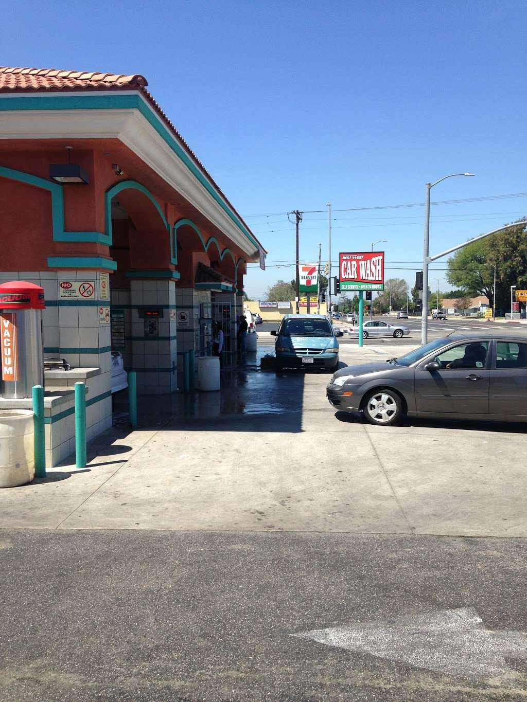 Best West Car Wash - car wash    Photo 8 of 9   Address: 13434 Osborne St, Arleta, CA 91331, USA   Phone: (323) 938-0404