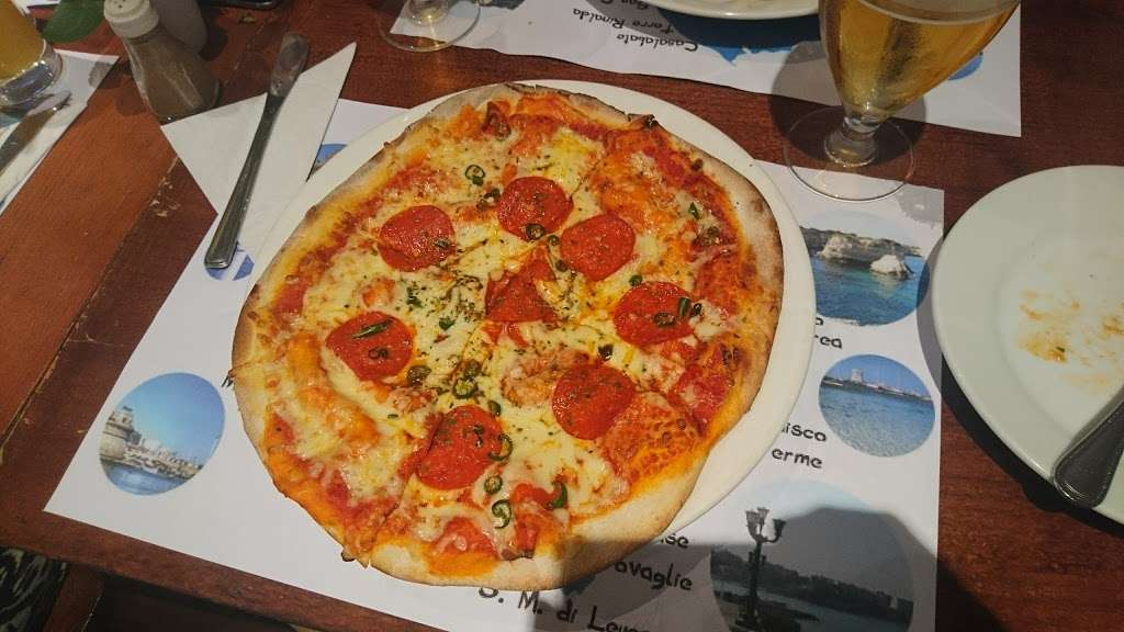 Salento Restaurant Bar pizzeria London - cafe  | Photo 5 of 10 | Address: 3 Clove Cres, Poplar, London E14 2BB, UK | Phone: 020 7537 2373