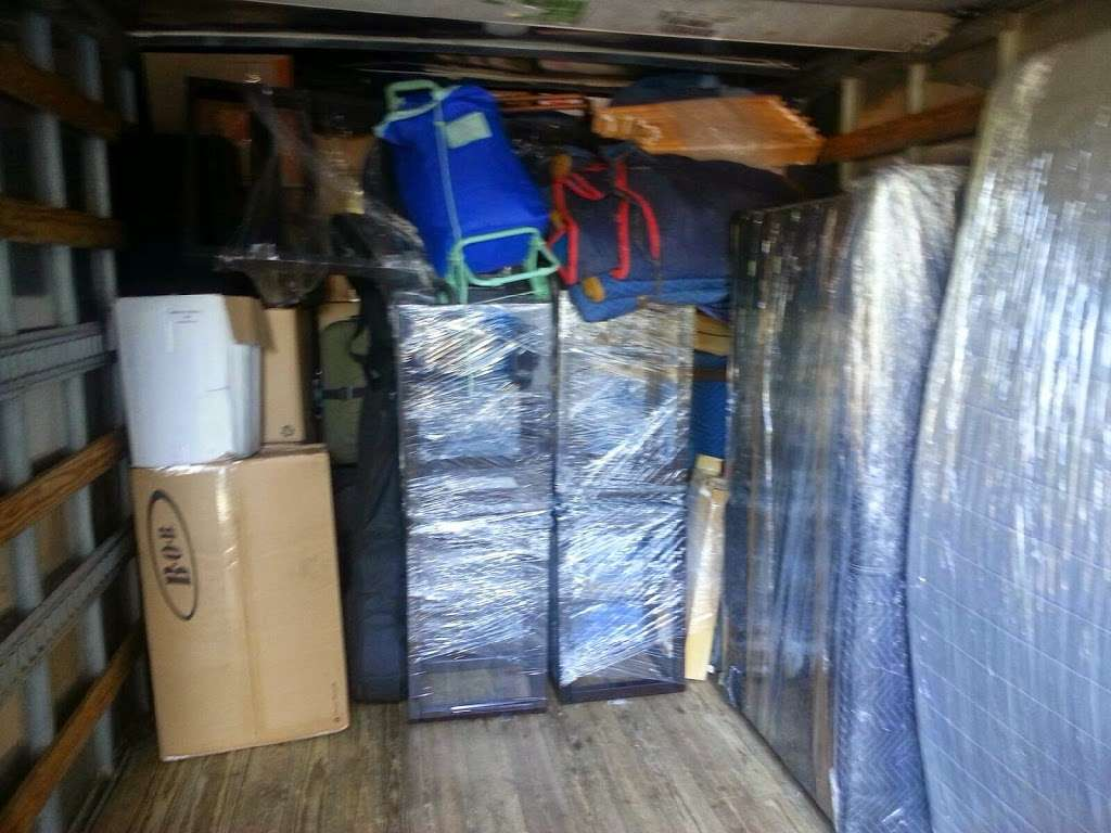 S&D Moving and Storage Co. - moving company  | Photo 8 of 10 | Address: 400 E Gun Hill Rd, Bronx, NY 10467, USA | Phone: (646) 494-0232