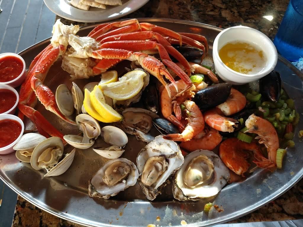 CP Shuckers Cafe & Raw Bar - restaurant  | Photo 5 of 10 | Address: 2407 Pacific Ave, Virginia Beach, VA 23451, USA | Phone: (757) 425-8676