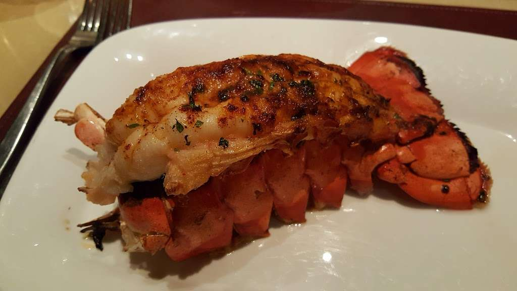Center Cut - restaurant  | Photo 8 of 10 | Address: 4300 N Michigan Rd, Shelbyville, IN 46176, USA | Phone: (877) 386-4463