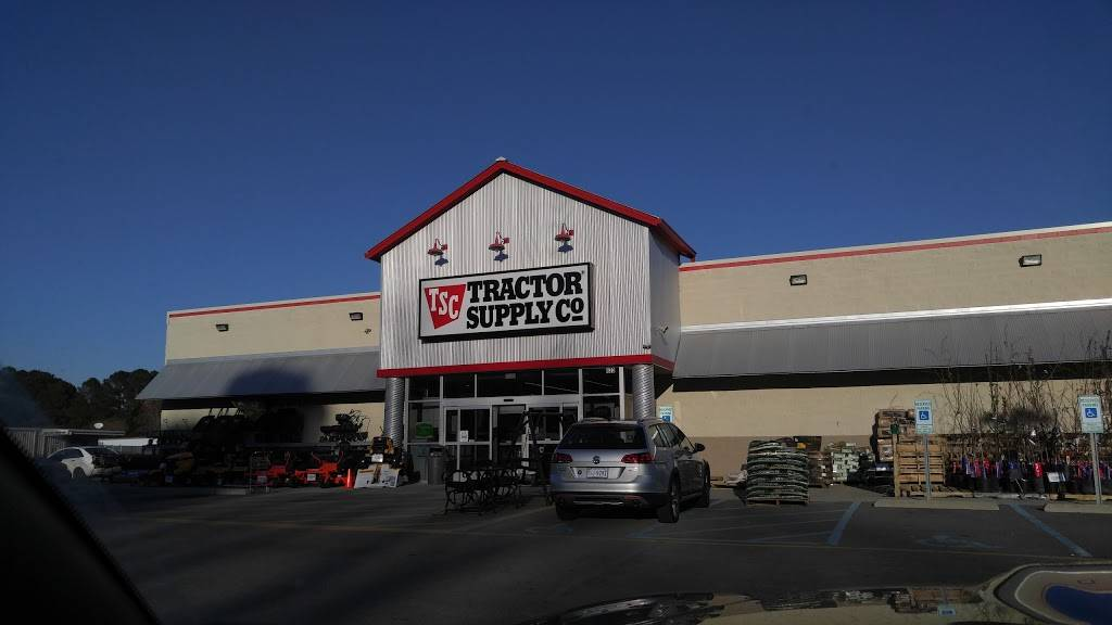 Tractor Supply Co. - hardware store  | Photo 1 of 9 | Address: 433 Centerville Turnpike S, Chesapeake, VA 23322, USA | Phone: (757) 482-0100