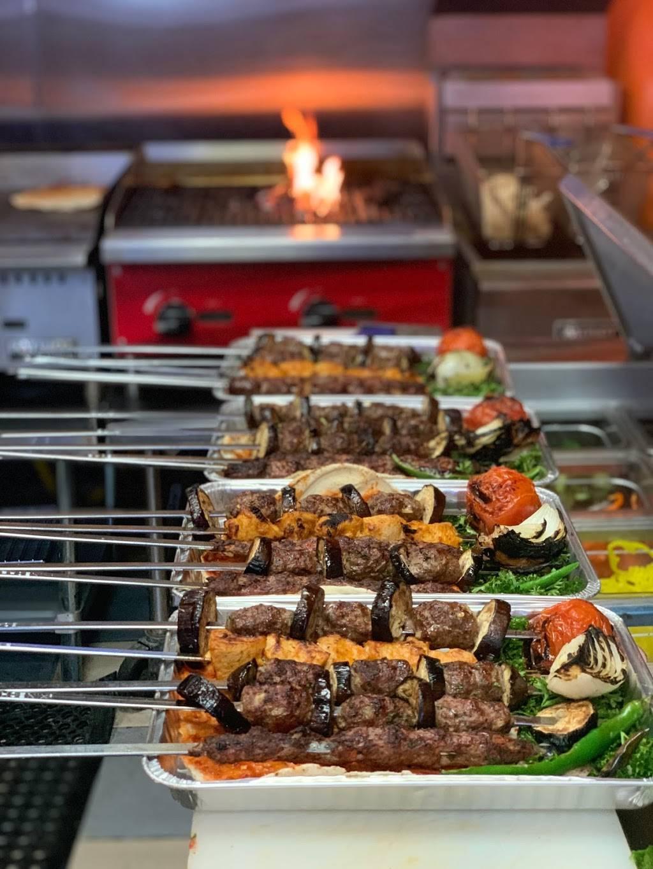 Abdos Kitchen - restaurant  | Photo 6 of 8 | Address: 377 Schaefer Rd, Detroit, MI 48217, USA | Phone: (313) 290-1543