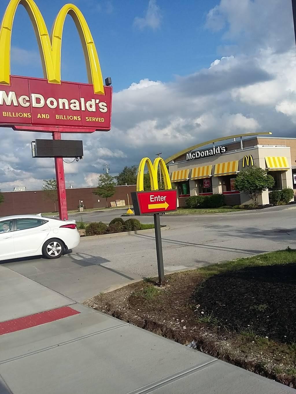 McDonalds - cafe  | Photo 7 of 10 | Address: 9101 Kinsman Ave, Cleveland, OH 44104, USA | Phone: (216) 721-3111