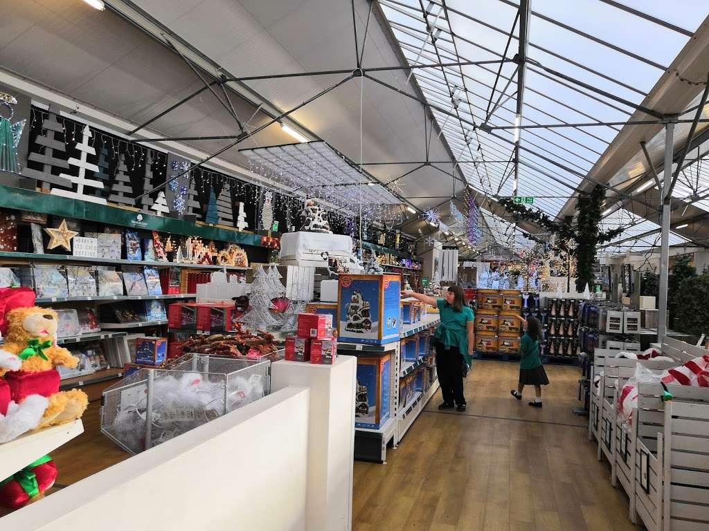 Woodcote Green - florist  | Photo 3 of 10 | Address: Woodcote Green Garden Centre & Nurseries, 4a Woodmansterne Ln, Wallington SM6 0SU, UK | Phone: 020 8647 6838
