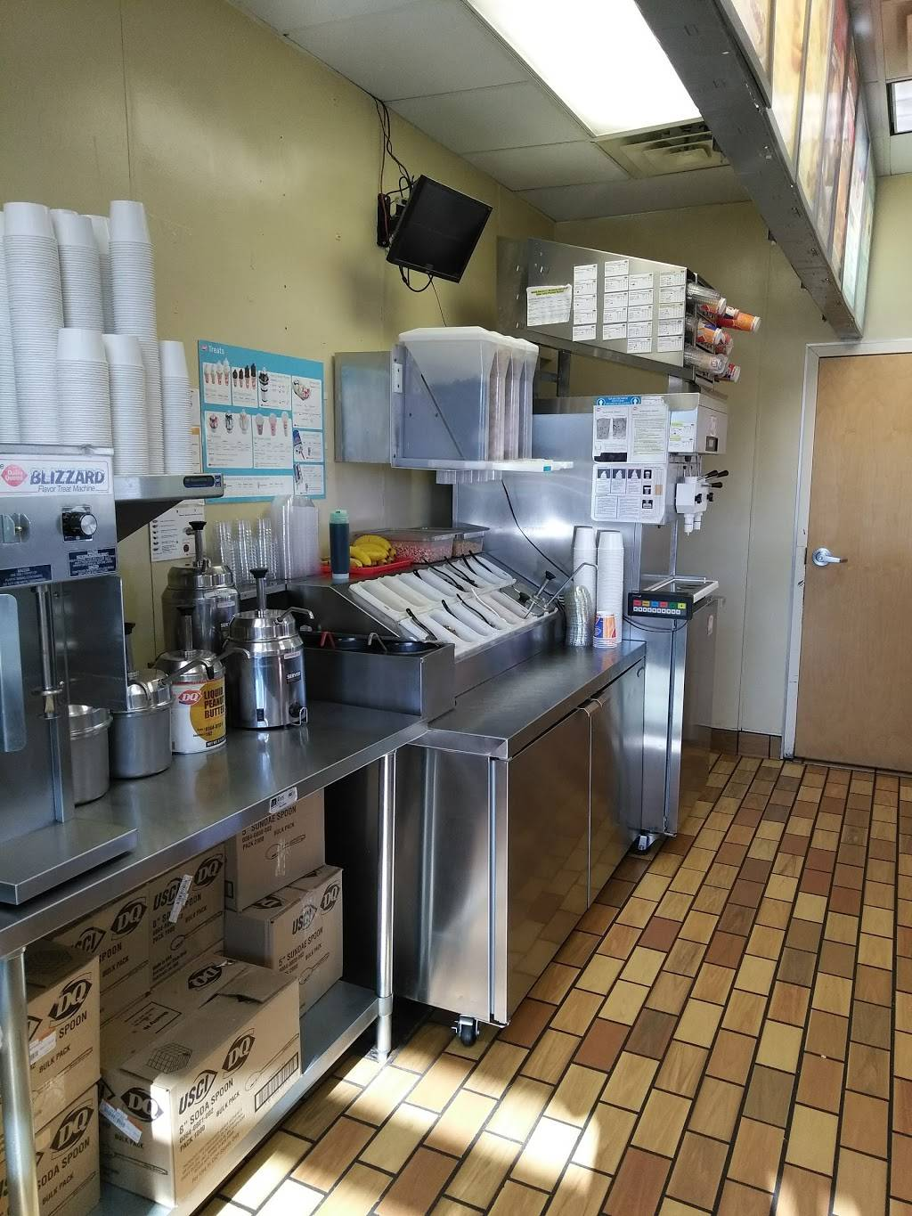 Dairy Queen Grill & Chill - restaurant  | Photo 5 of 7 | Address: 6655 Cahill Ave, Inver Grove Heights, MN 55076, USA | Phone: (651) 455-0339
