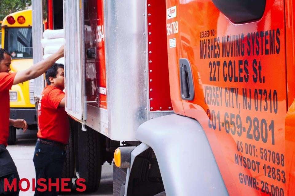 Moishes Moving and Storage - moving company    Photo 2 of 3   Address: 125 Walnut Ave, Bronx, NY 10454, USA   Phone: (718) 297-3098