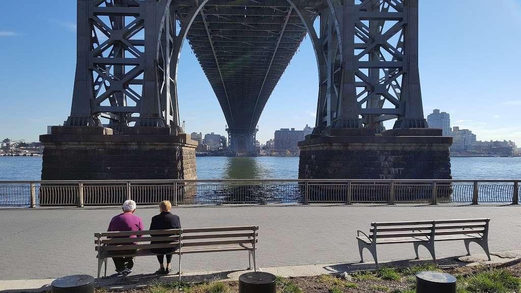 Baruch Playground - park  | Photo 3 of 10 | Address: 132 Baruch Pl, New York, NY 10002, USA | Phone: (212) 639-9675